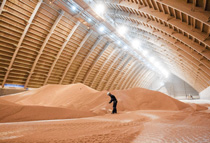 Potash Corp storage facility/Reuters